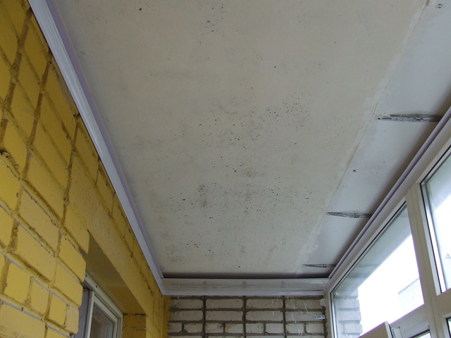 Подвесной потолок на балконе. - остекление - каталог статей .